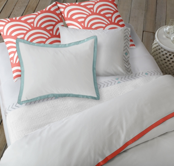 I just love their duvets with colored trim! and what is better than an aqua and coral combination? really nothing.