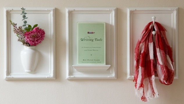 Perfect for an entry way. I love the idea of multiple framed hooks!