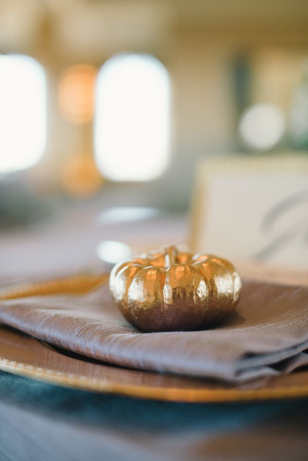 Adorable for a fall dinner party!