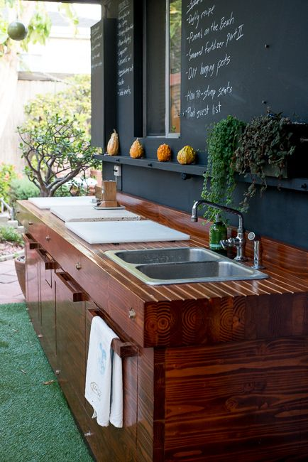 I love the idea of using an outdoor space for this! Plus it leaves all of the mess outdoors!