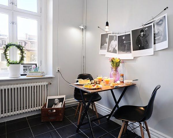 I love this quiet breakfast nook FULL of amazing inspiration photos!