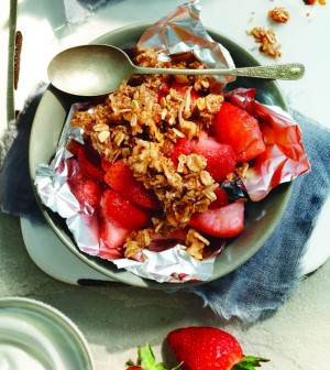CLEAN EATING STRAWBERRY COCONUT CRISP