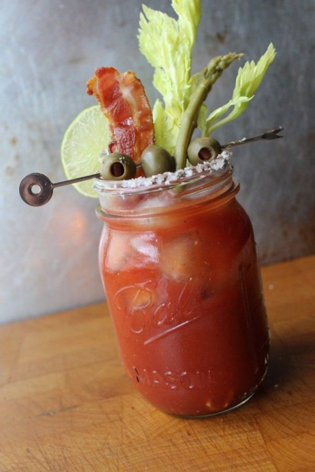 THE ULTIMATE AND EASY BLOODY MARY