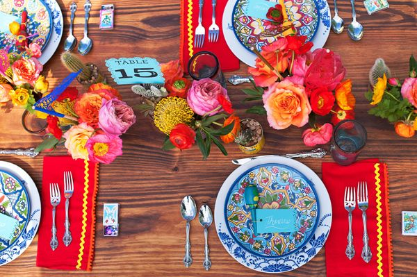 I love this! This is my tablescape inspiration for a future Cinco de Mayo fiesta dinner party!