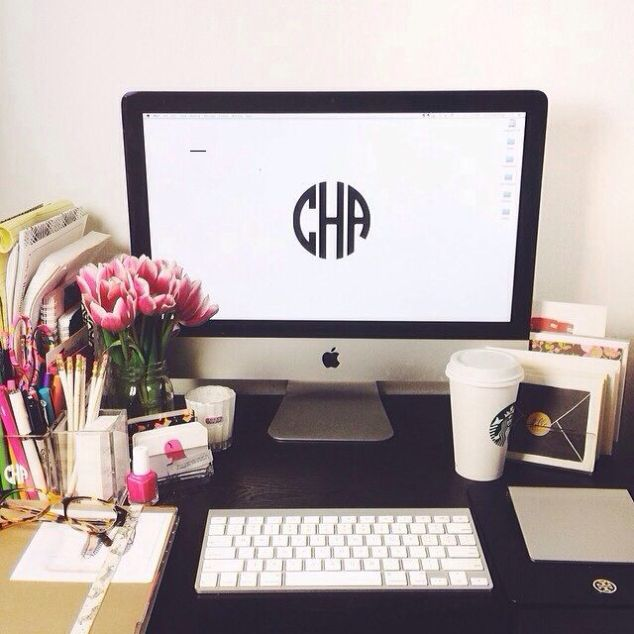 Well hello... now we all know this will be my background! A girl can not have too many monograms.