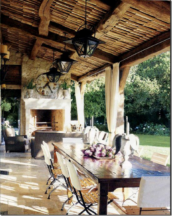 Eating and entertaining outdoor space. LOVE.
