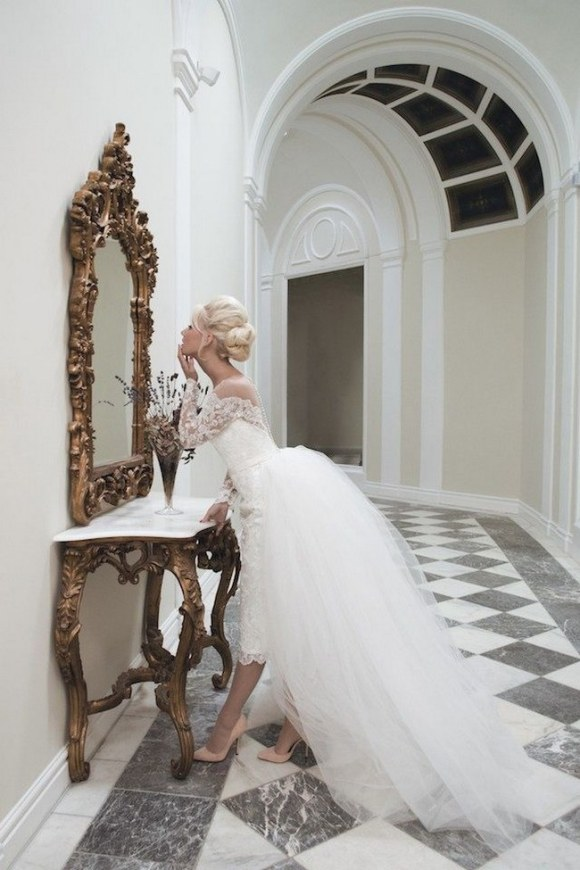 Totally-Stunning-Long-Sleeved-Wedding-Dresses-35